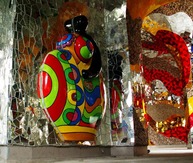Die_Grotte_by_Niki_de_Saint_Phalle_in_Hannover