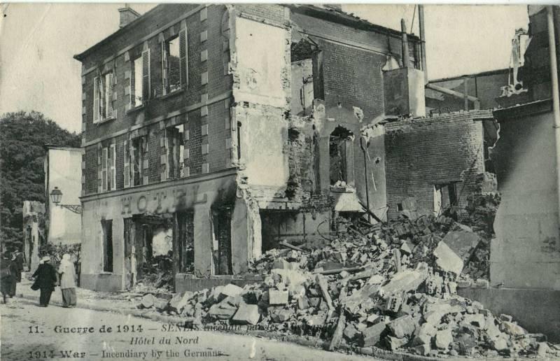 L'H_11_-_GUERRE_DE_1914_-_Senlis_incendié_par_les_Allemands_-_Hotel_du_Nord