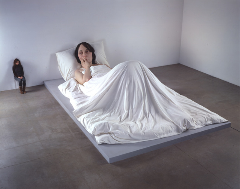Mueck---In-Bed-_fondation cartier