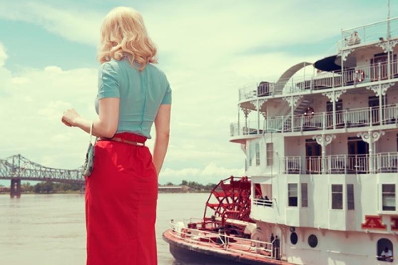 kourtney-roy-steam-boat-light