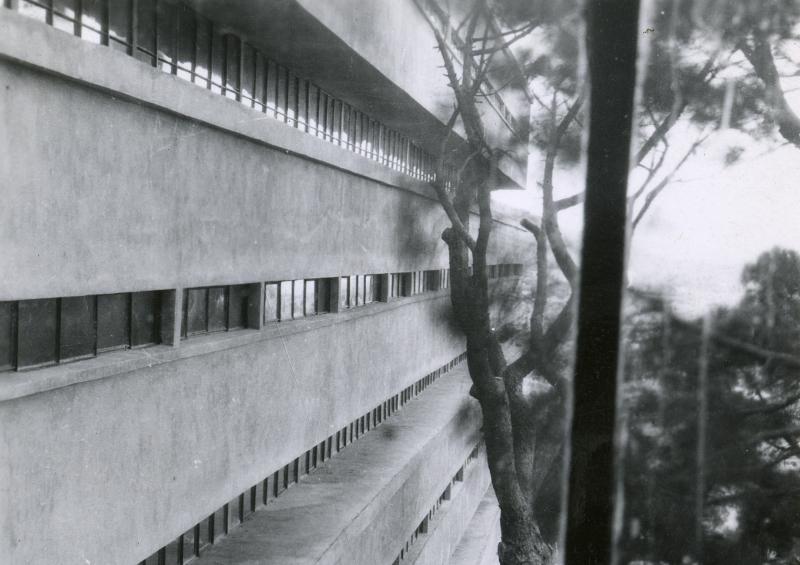 1930-1932. Hôtel Latitude 43, Saint-Tropez, vue extérieure, n.d., cliché anonyme