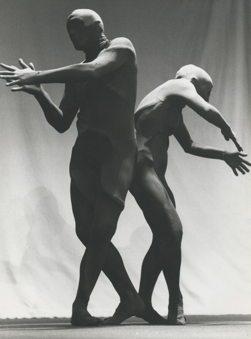 Claire et Heggen et Yves Marc dans Les mutants, 1975.