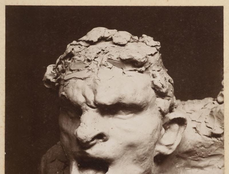 Antoine Bourdelle (1861-1929). Monument à Montauban, Guerrier en cours de modelage. XIXe -XXe. Photographie anonyme. Paris, musée Bourdelle.  Dimensions: 23 x 17,5