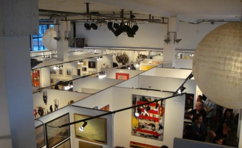 Grand salon d'art abordable à la Bellevilloise