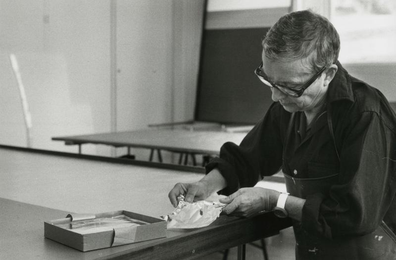 Anna-Eva Bergman, Atelier Antibes 04-1975_Archives Fondation Hartung Bergman - Photo Francois Walch - Domaine de Kerguehennec - Bignan