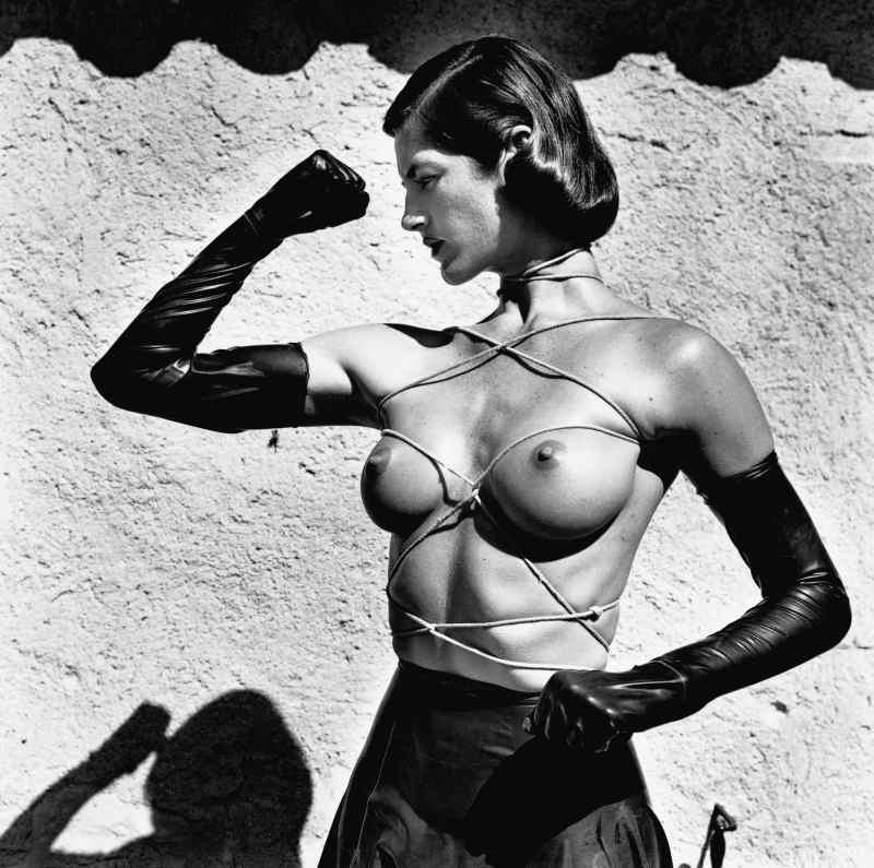 Helmut Newton, Tied Up Torso, Ramatuelle 1980 – Icones - Musee de la photographie Charles Negre Nice