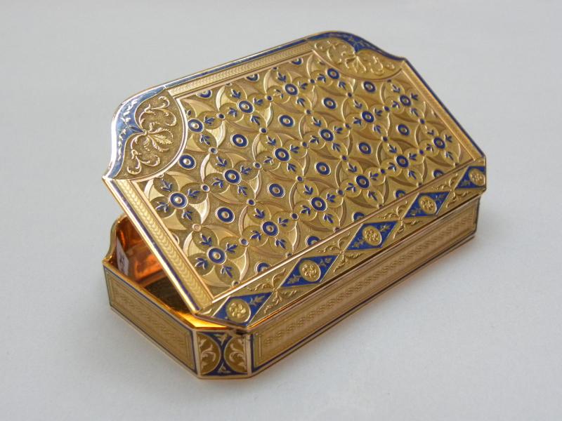 Tabatière en or émaillé, ExtraORdinaire, Galerie Delalande