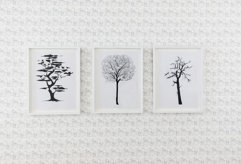 3 dessins sur papier peint, Jeanne Susplugas, At Home she's a tourist, Galerie VivoEquidem
