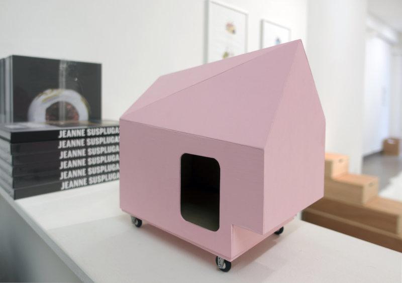 Maison rose, Jeanne Susplugas, At Home she's a tourist, Galerie VivoEquidem