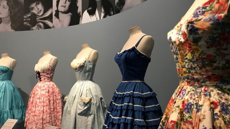 exposition dalida une garde-robe de la ville a la scene palais galliera paris_1800