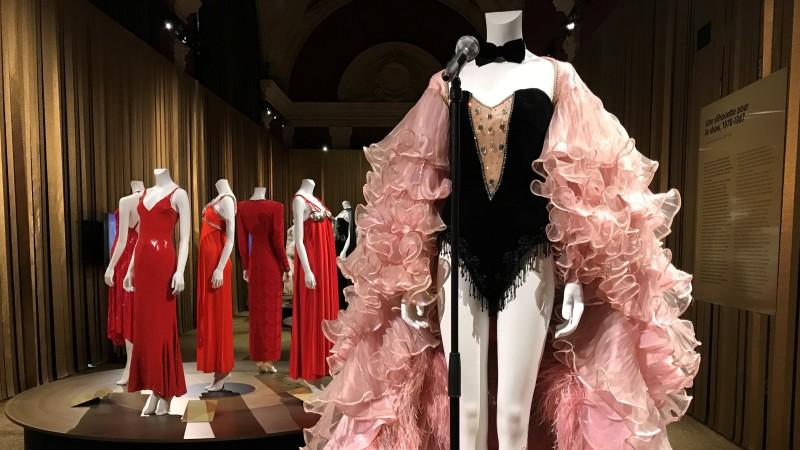 exposition dalida une garde-robe de la ville a la scene palais galliera paris_1848