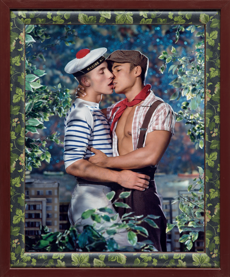 11. Les Amoureux (Johan Soudanne et Léoméo Caradang ), 1998, Collection particulière (c) Pierre et Gilles