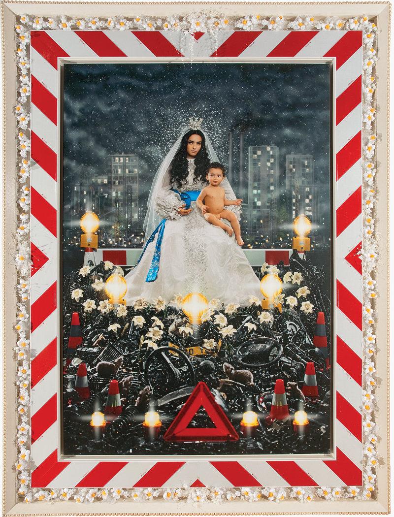 13. La Vierge à l Enfant (Hafsia Herzi et Loric), 2009, courtesy des artistes et de la Galerie Daniel Templon (c) Pierre et Gilles