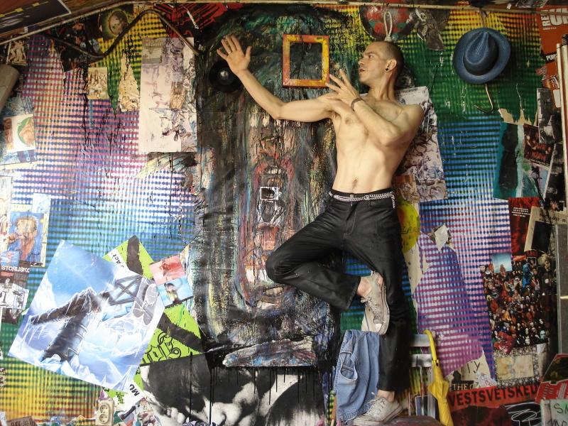 Nenad Rackovi, Technique mixte sur carton, 27 x 31 cm © Galerie Stab, Belgrade, Turbulences dans les Balkans, Halle Saint Pierre