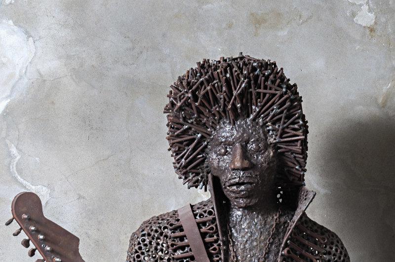 Boris DEHELJAN Jimmy Hendrix, vers 2016, métal, Turbulences dans les Balkans, Halle Saint Pierre