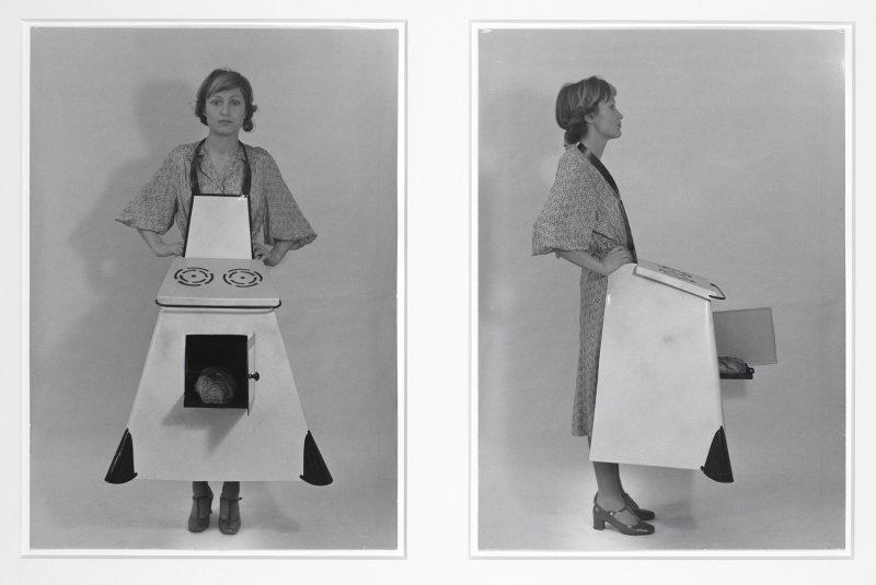 Birgit Jurgenssen, Hausfrauen - Küchenschürze Housewives' Kitchen, Apron, 1975/2003