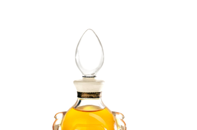 Diorama. Amphoreclaire à anneaux, 1949, Esprit de parfums, musée de la parfumerie