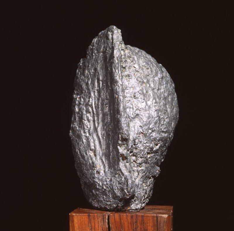 Jean FAUTRIER (1898 - 1964) Tête d'otage, 1943 Sculpture en plomb Collection musée du Domaine départemental de Sceaux Don de l'artiste en 1964