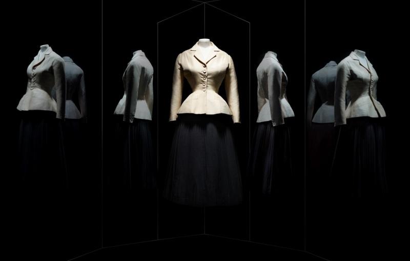 Christian Dior, couturier du rêve, musée arts déco