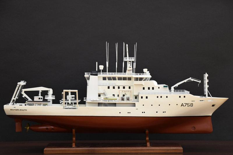 Maquette du navire Beautemps-Beaupré, prêtée par le SHOM, Aventures Océaniques, Aquarium tropical du palais de la Porte Dorée