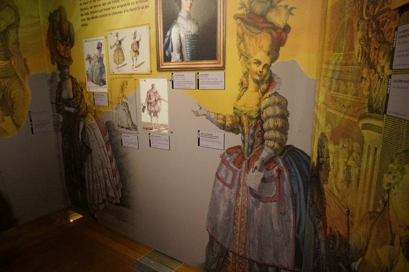 Exposition Modes! A la ville comme a la Scene au CNCS de Moulins - Reveries exotiques