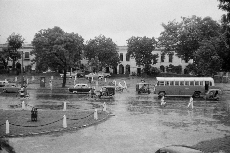Narinder Place on Parliament Street, New Delhi, circa 1965For MEP - Hi Res Photo by: RICHARD BARTHOLOMEWPhoto credit: RICHARD BARTHOLOMEWAll rights reserved. For permission and licensing rights: PLEASE CONTACT: pablo@bartholomew.tvOr by cellphone +91 98100 14131