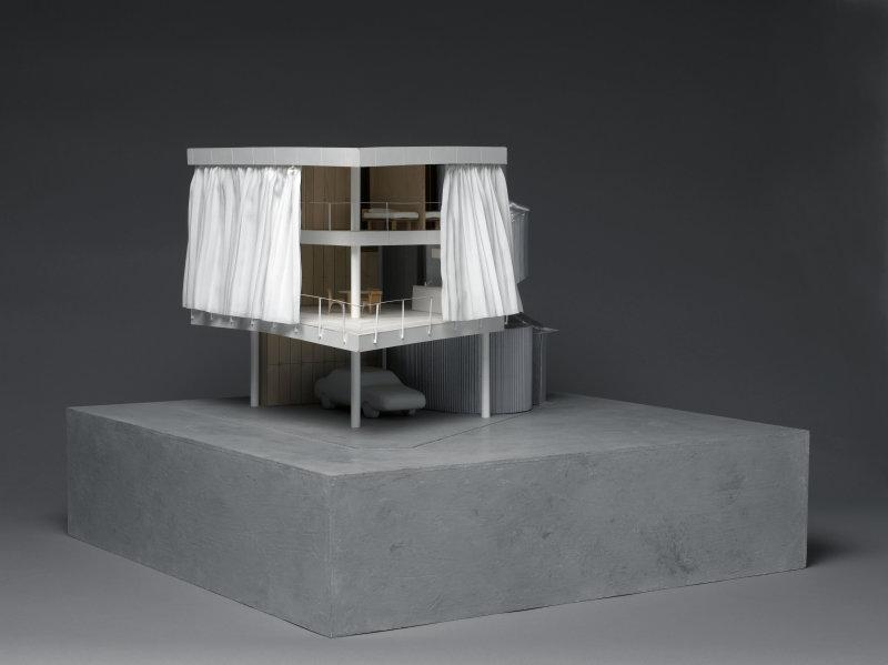 Shigeru Ban (né en 1957). Paris, Centre Pompidou - Musée national d'art moderne - Centre de création industrielle. AM2000-2-36.