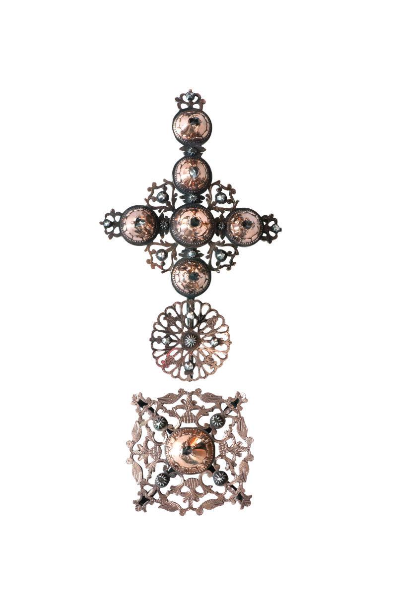 Croix Maintenon Croix en or pour l'avers, et argent pour le revers, diamants, XVIIIe siècle, Expo Raspal, Musée Fragonard, Grasse