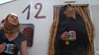 Bertille Bak, Transports a dos d'hommes, 2012. Courtesy de l'artiste, de la Galerie Xippas Paris_Genève_Montevideo_Punta del Este et de the Gallery Apart, Rome