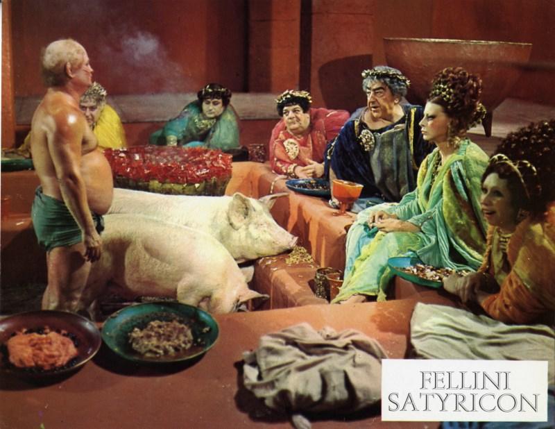 Dans Astérix chez les Helvètes (1970), Goscinnyet Uderzo transposentla scène de l'orgie romainedu Satyricon de Fellini, Le cinéma de Goscinny, Cinémathèque Française