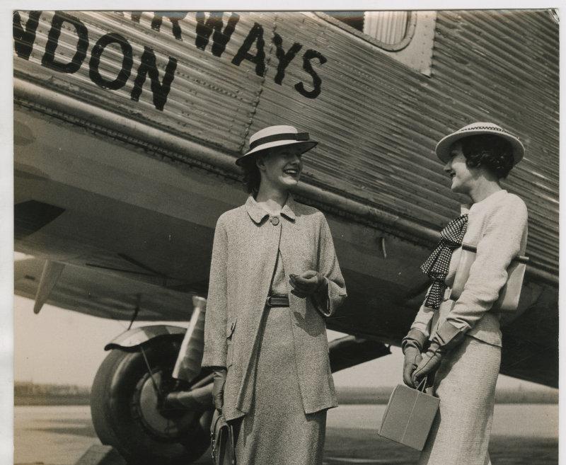 Harper's Bazaar Elisabeth Arden en Molyneux Jean Moral 1934