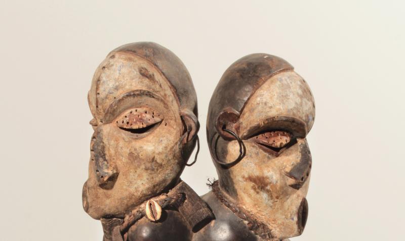 Statuette « maladie », venue de nulle part, c'est-à-dire hors contexte