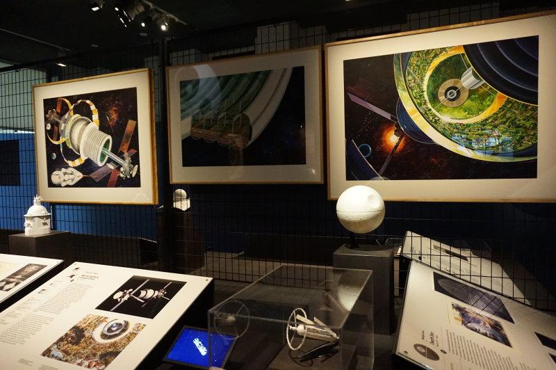 Vue de l'exposition Globes à la Cité de l'Architecture et du Patrimoine (40)