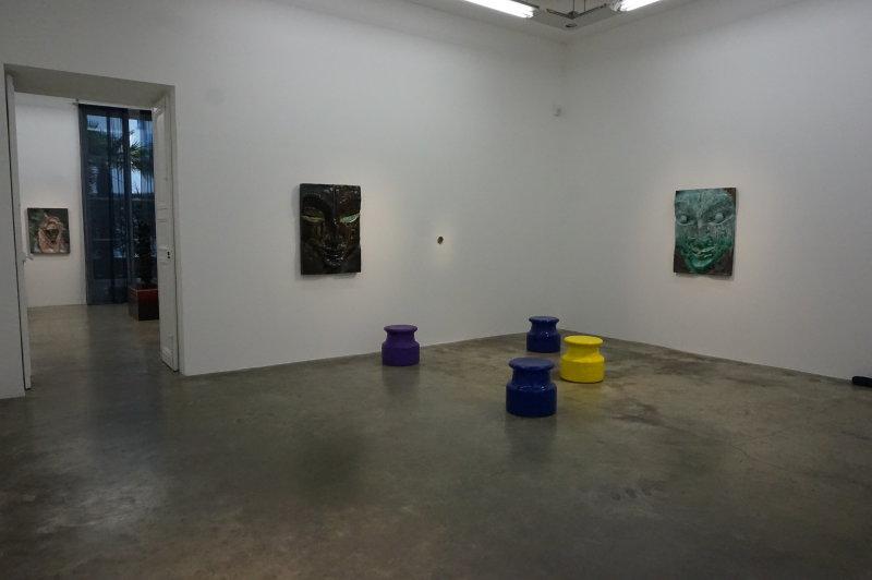 Vue de l'exposition Johan Creten à la galerie Perrotin (3)