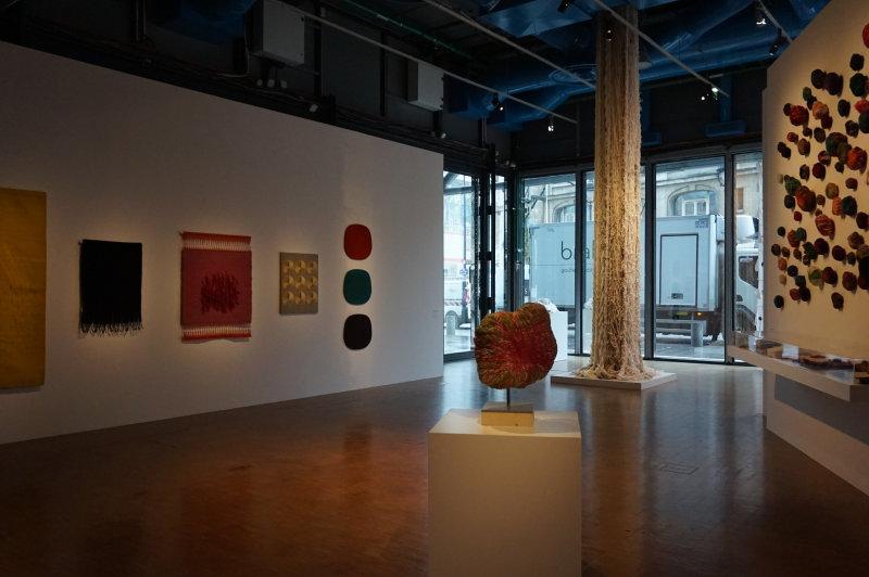 Vue de l'exposition Sheila Hicks, Lignes de vie - Centre Pompidou (18)