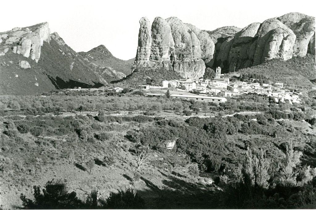 Bernard Plossu, A Guerro Aragon, 2008 - Exposition Bernard Plossu, País de piedras à l'Abbaye de Flaran