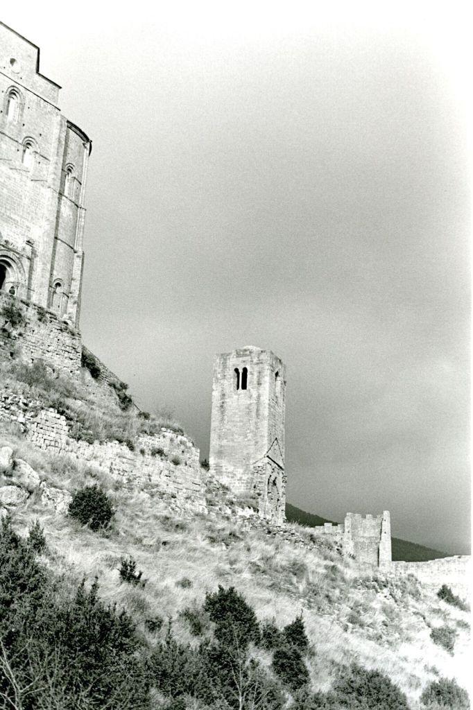 Bernard Plossu, Loarre Aragon, 2008 - Exposition Bernard Plossu, País de piedras à l'Abbaye de Flaran