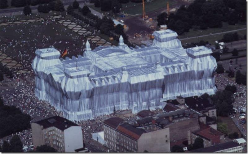 Christo et Jeanne-Claude, emballage du Reichtag, 1995