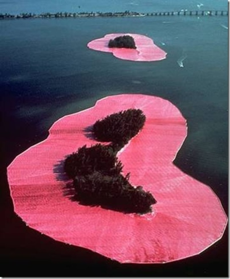 Christo et Jeanne-Claude, Surrounded Islands, 1983