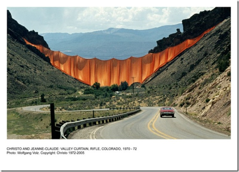 Christo et Jeanne-Claude, Valley Curtain, Rifle, Colorado, 1970-72