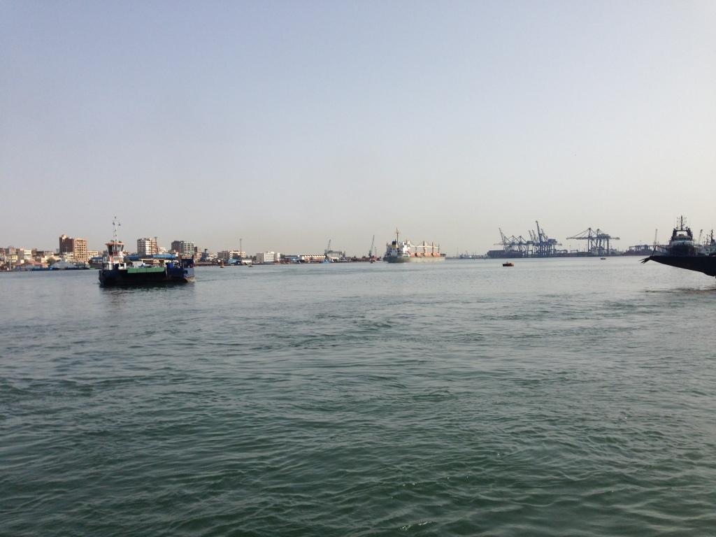 Vue du canal de Suez, Port-Saïd, 2017