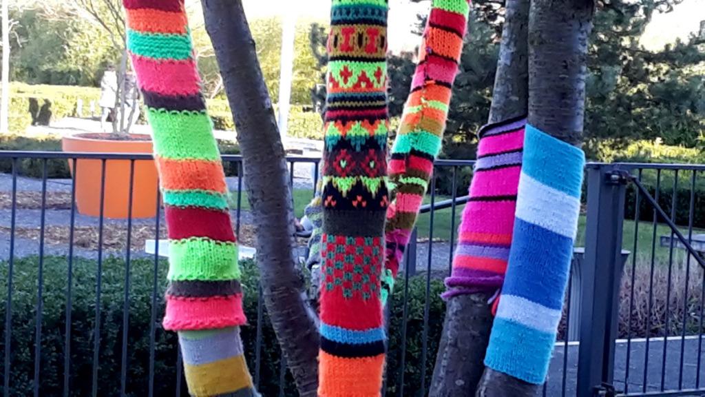 Arbres tricotés 2
