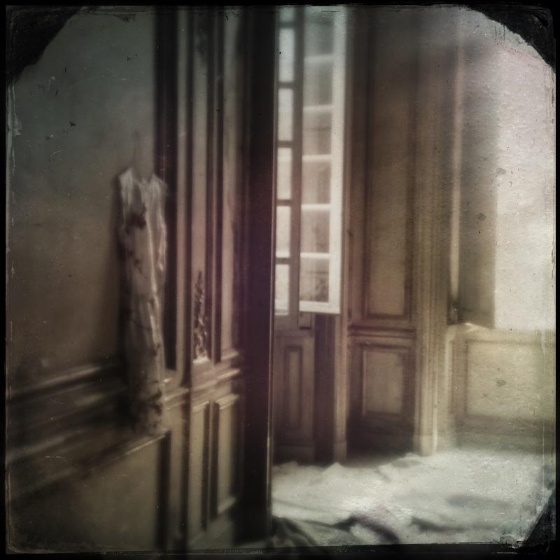Carolyn Quartermaine, Music room Chateau Gudanes 3