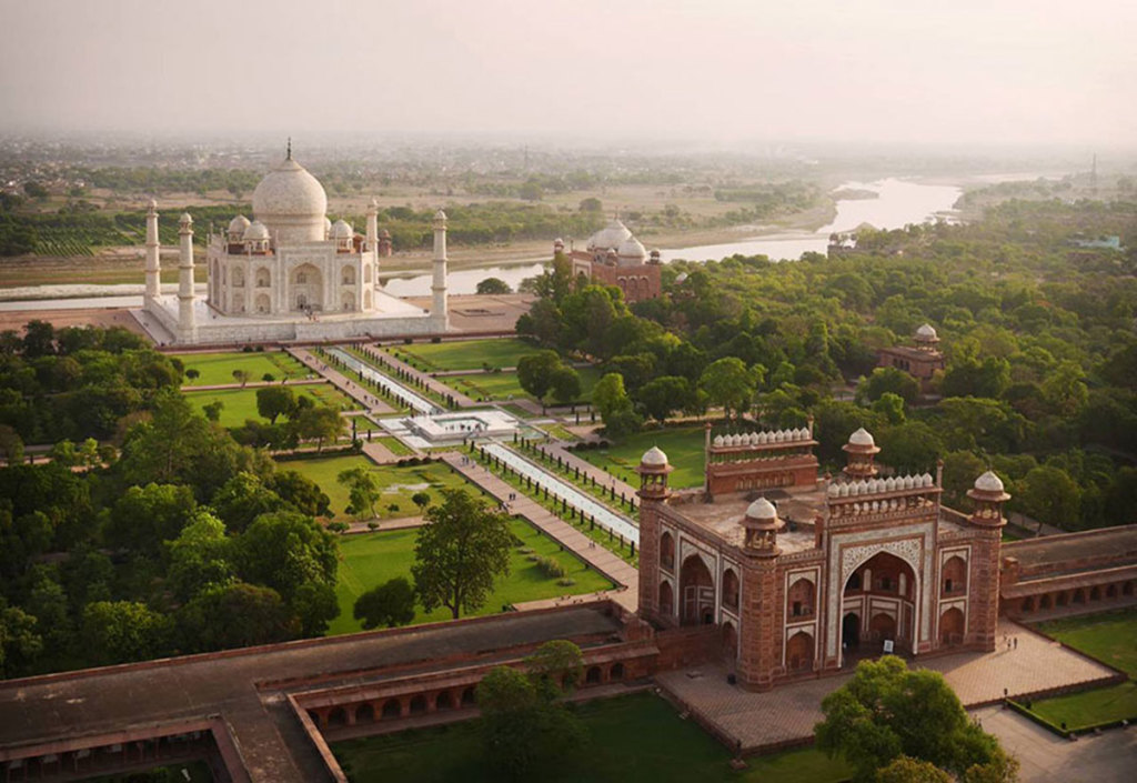 Drone-Taj-Mahal