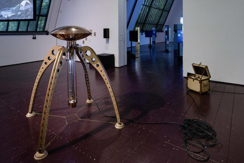 Exposition Océans, une vision du monde au rythme des vagues au Fresnoy - Guzik, The Nereida Capsule, Tidalectics 2017, janvier 2001