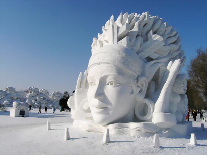 Sculpture de neige Amérindien