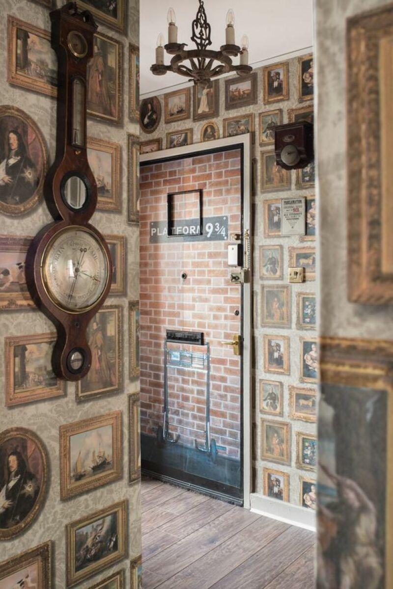 Vue de l'appartement, Porte d'entrée