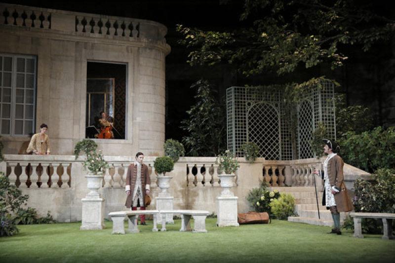LE JEU DE L'AMOUR ET DU HASARD - Théâtre de la Porte St-Martin