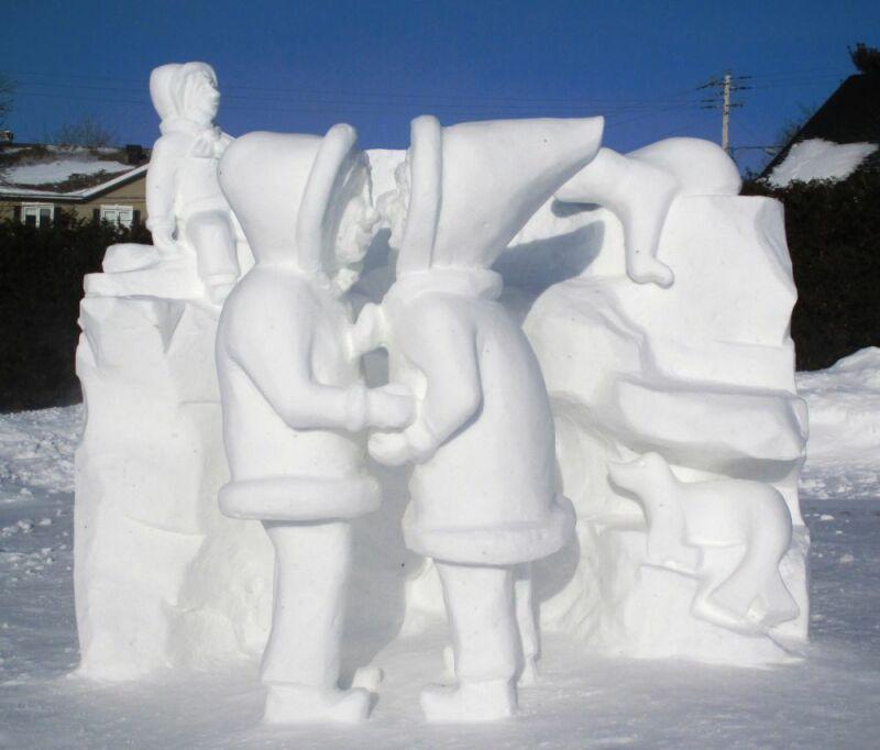 Sculpture de neige couple