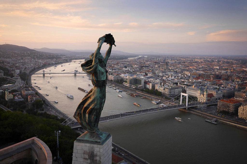 Statue-Budapest